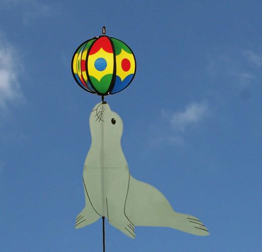Colours in Motion - Windspiel Juggling Seal / jonglierender Seehund - Ø 20 x 50 x 53 cm