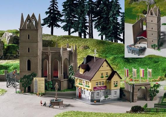 Kibri 36401- Ruine Klostergarten inkl. Haus und Open-Air Bühne- Z