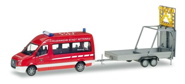 """Herpa 093255 - VW Crafter Bus HD mit Verkehrssicherungsanhänger """"Feuerwehr Nittenau"""" - 1:87"""