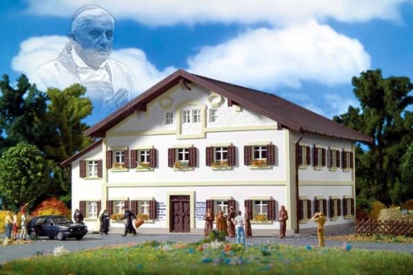 Vollmer 43829 - Geburtshaus Papst Beedikt XVI - Fertigmodell - H0 (3829)