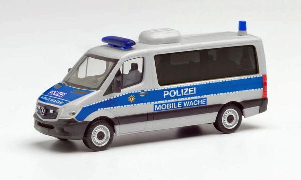 """Herpa 095747 - Mercedes-Benz Sprinter 13 Flachdach Bus """"Polizei Berlin / Mobile Wache"""" - 1:87"""