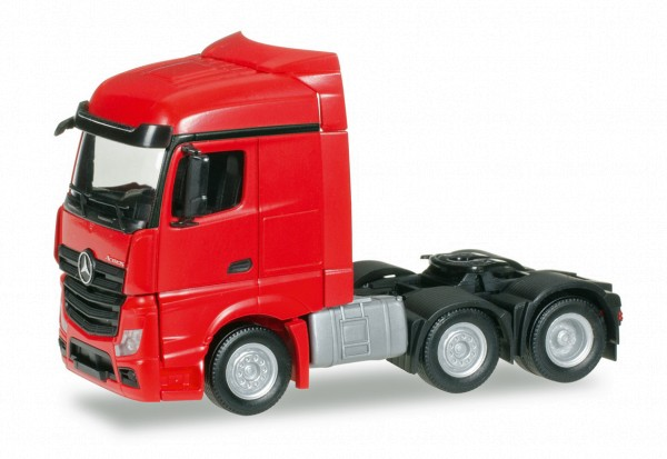 Herpa 305174-002 - Mercedes-Benz Actros Streamspace 6x2 Zugmaschine, rot - 1:87