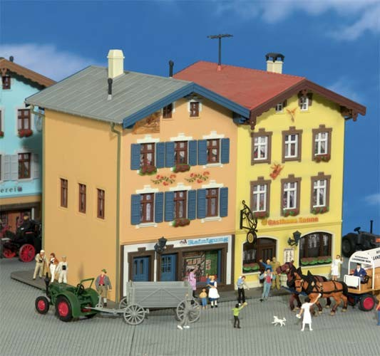 Kibri 38819 (8819) - Gasthof Sonne in Tölz (mit Lüftlmalerei) - H0