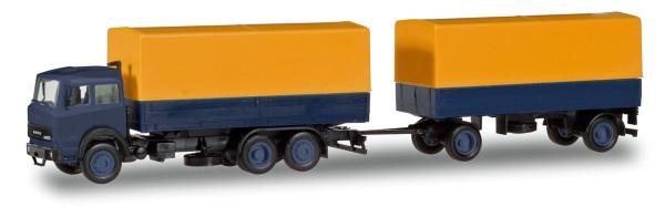Herpa Basic 309578 - Iveco Magirus Planen/Hängerzug, gelb/blau - 1:87