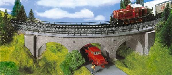 Kibri 39722 (9722) - Steinbogenbrücke eingleisig Radius 1- H0
