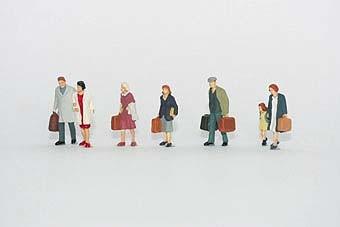 Vollmer 2300 - Gehende Reisende - H0 - Auslaufmodell