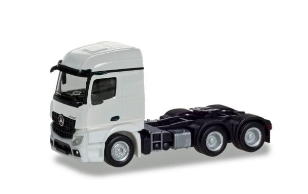 Herpa 309905 - Mercedes-Benz Actros Streamspace 2.3 Zugmaschine 3-achs, weiß - 1:87