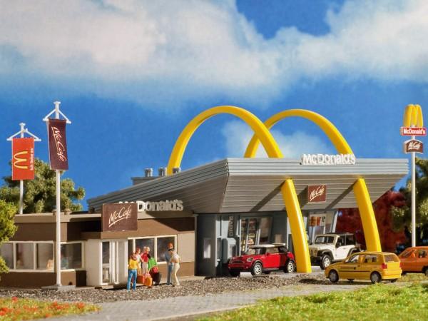 Vollmer 47766 - McDonald's mit McCafé - Bausatz - N (7766)