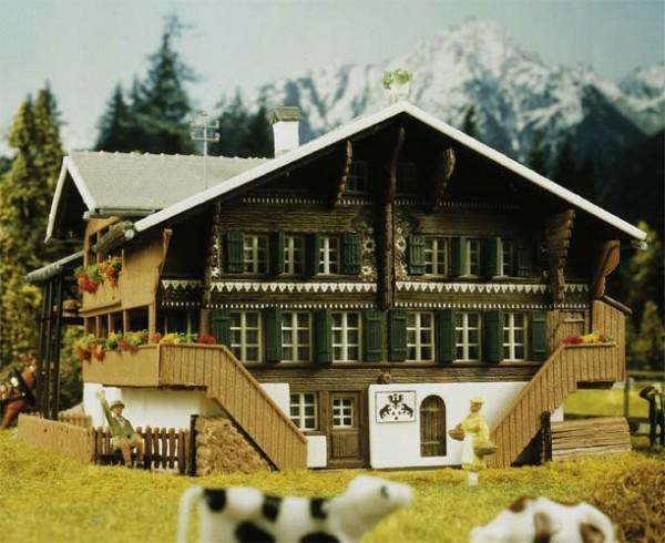 Kibri 38807 (8807) - Simmentaler Bauernhof - H0