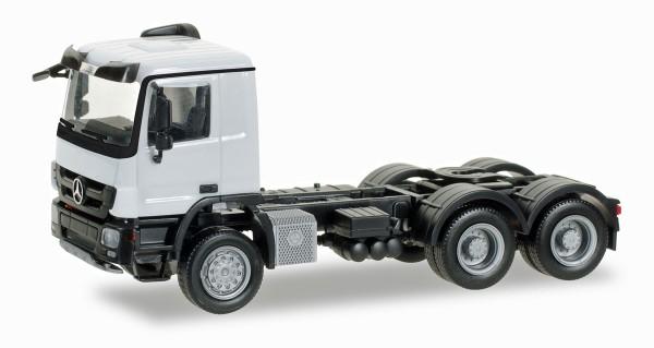 Herpa 158299-004 - Mercedes-Benz Actros M 08 Allrad-Zugmaschine 3achs, weiß - 1:87