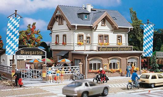 Vollmer 43663 - Bahnhofsgaststätte - H0 (3663)