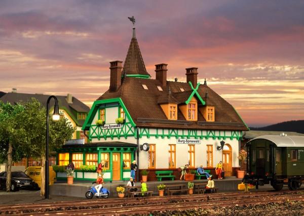 Kibri 39509 (49509) - Bahnhof Burg-Spreewald inkl. Hausbeleuchtungs- Startset - H0