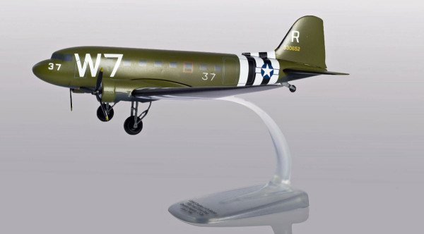 Herpa Wings 612296 - U.S. Army Air Forces Douglas C-47A Skytrain - Operation Neptune (D-Day) 75th An