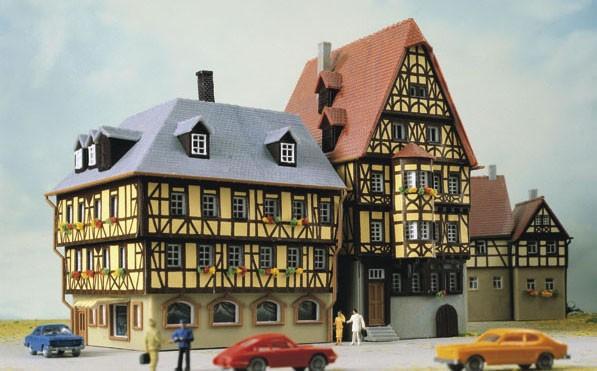 Kibri 37101 - Hohes Haus und Eckhaus - N