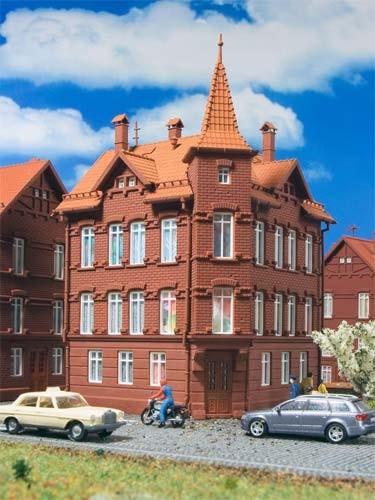 Vollmer 47636 - Eisenbahner Wohnhaus, Eckhaus - N (7636)