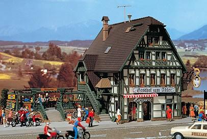 Vollmer 47711 - Gasthaus mit Metzgerei u. Einrichtung - N (7711)