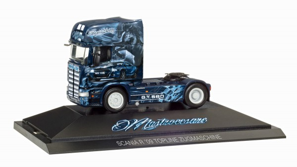 "Herpa 110907 - Scania R V8 TL Zugmaschine ""Shelby GT 580 / Spedition Mastrocesare"" (I) - 1:87"