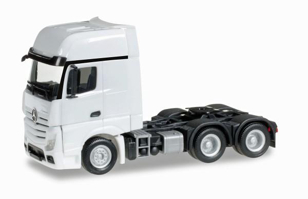 herpa 305167-002 - Mercedes-Benz Actros Gigaspace 6x4 Zugmaschine, weiß - 1:87
