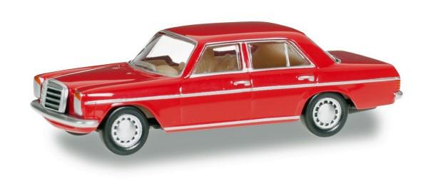 Herpa 024785-003 - Mercedes-Benz 240 D /8, feuerrot - 1:87