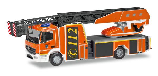 """Herpa 094498 - Mercedes-Benz Atego Rosenbauer Drehleiter L32A """"Feuerwehr Holzminden"""" - 1:87"""