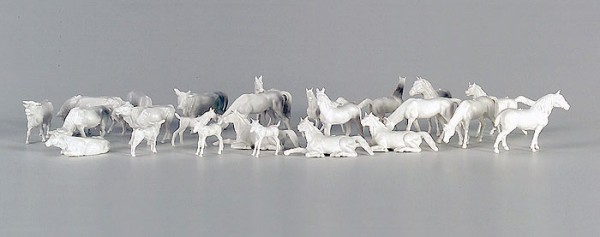 Vollmer 42235 - Pferde und Kühe (unbemalt) - H0 (2235)