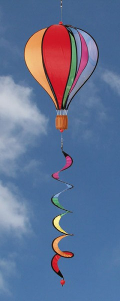 Invento-HQ Windspiel Hot Air Balloon Twist Rainbow (28 x 104 cm)