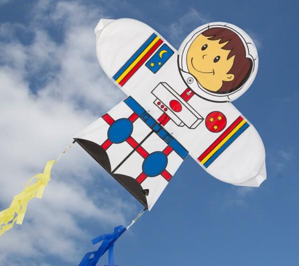 Skymate Kite Astronaut - Einleiner von Invento-HQ (71 x 64 cm) - R2F