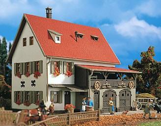 Vollmer 43721 - Bauernhaus mit Scheune - H0 (3721)